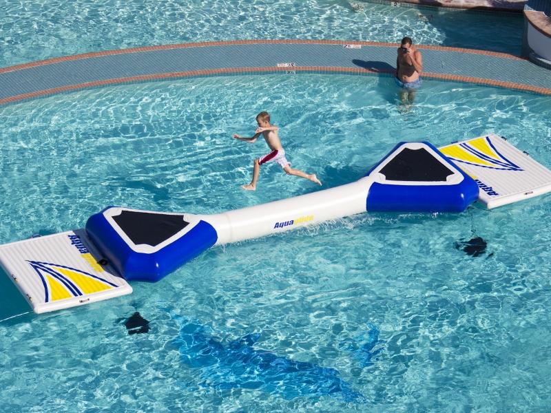 Aquaglide Foxtrot Action