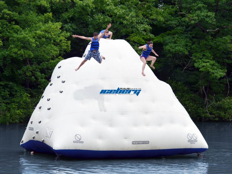 Rave 14 Foot Iceberg