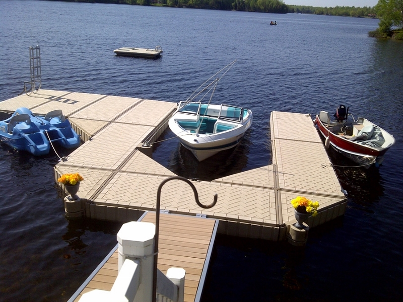PolyDock Floating Plastic Dock 1