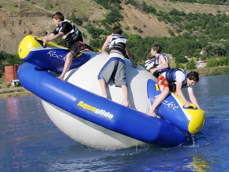 Aquaglide Rockit Action