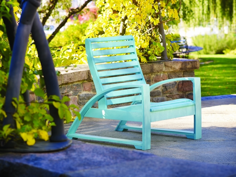 Cottagespot Recycled Plastic St Tropez Lounge Chair