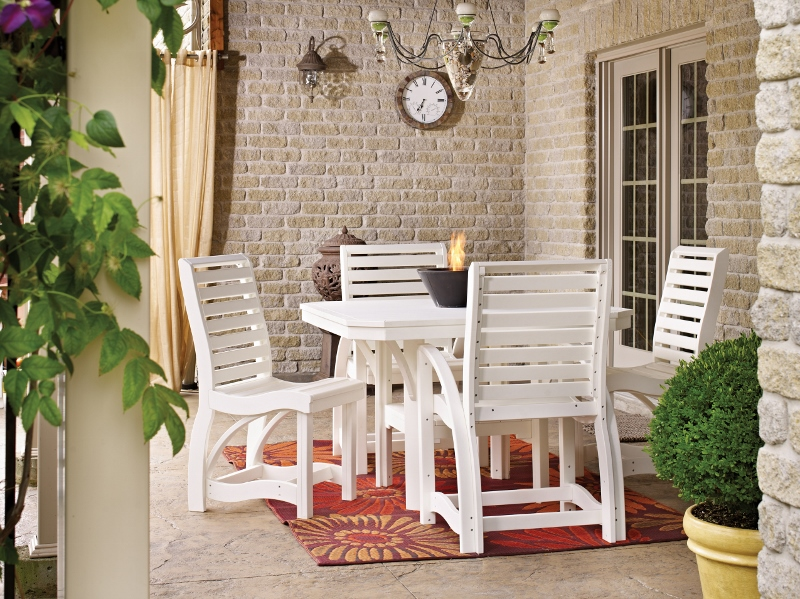 Recycled Plastic St. Tropez Dining Set